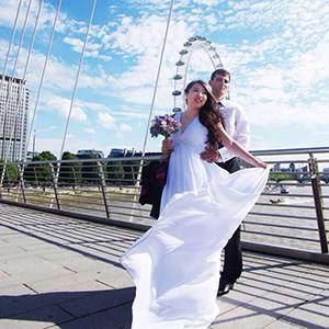 Amy's amazing wedding dress
